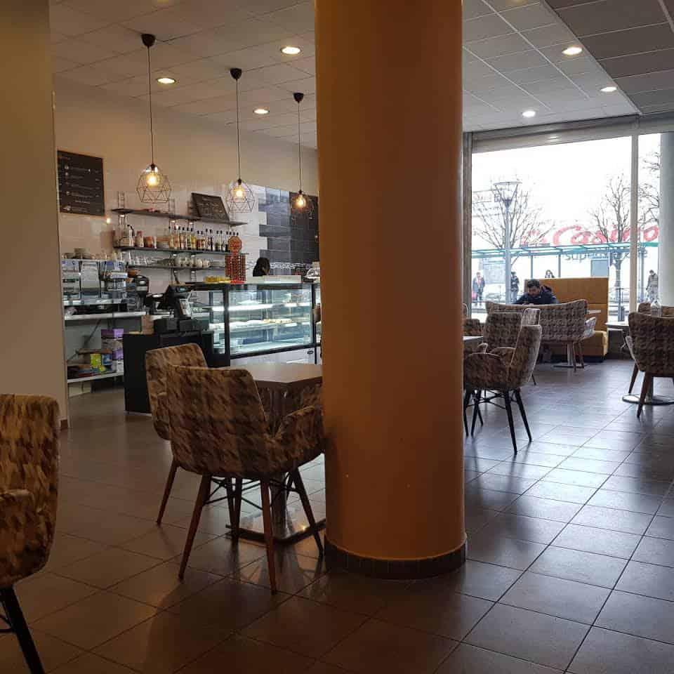Restaurant Bar CAFE ZOLA